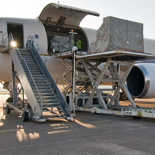 Loading freight to an aircraft